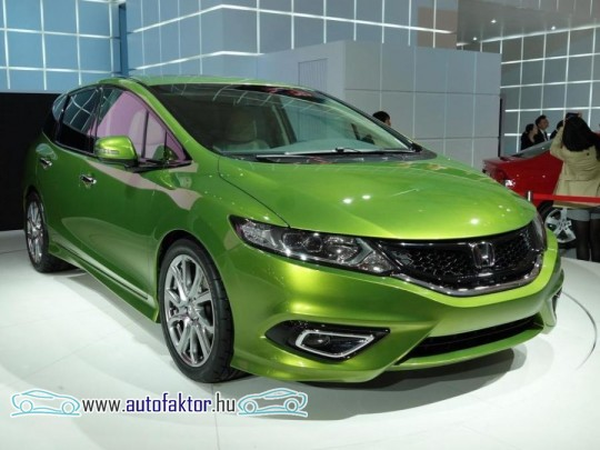 Bemutatkozott a Honda Jade
