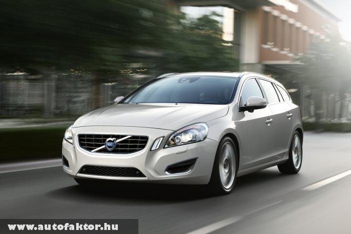 Volvo V60 hibrid - 100 kilóméteren 2 litert fogyaszt