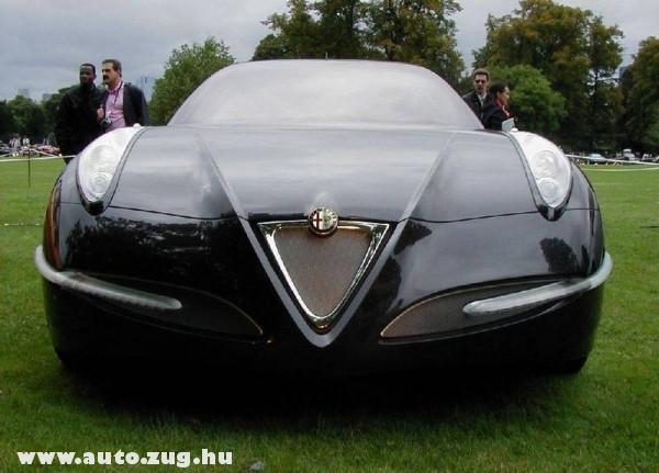 Fekete Alfa Romeo