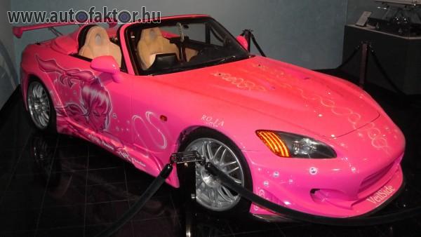 Autócsoda hölgyeknek S2000