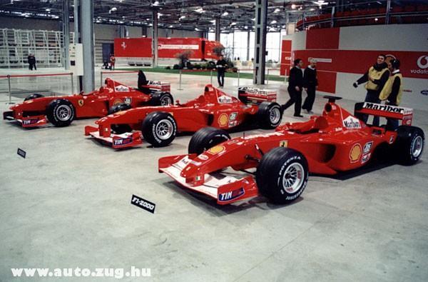 Ferrarik a boxban
