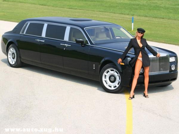 Bentley limuzin a soffõrlánnyal együtt