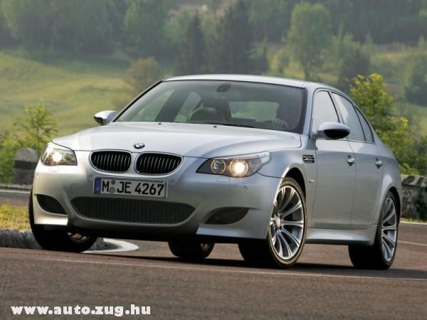 A BMW M5-ös