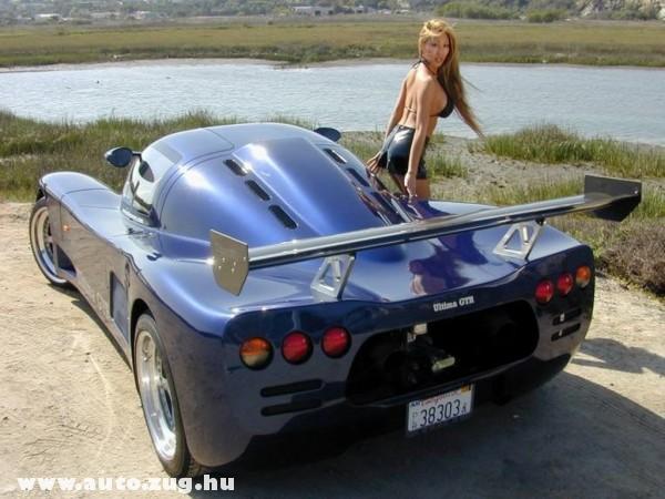 Dögös lány, dögös kocsi