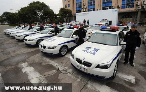 Új autókat kaptak Sanghaiban a rend õrei