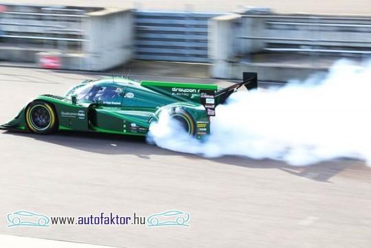 Világcsúcsot döntött egy elektromos autó