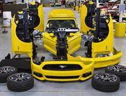 Hat darabba vágták, majd újra összerakták a Ford Mustangot